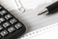 Банки могут автоматически списывать долги со счетов: как будет работать новая схема