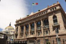 867 закритих банківських відділень та відмова від використання кредиток: наслідки пандемії в Мексиці