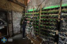 Майнинг-ферма в трансформаторе: очередные «изобретательные» майнеры выявлены СБУ