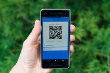Українці хотіли б розплачуватися за покупки QR-кодом і голосом – дослідження