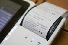 Электронный чек вместо бумажного: парламент принял соответствующий законопроект