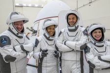 Миссия Inspiration4 с гражданским экипажем успешно вернулась на Землю