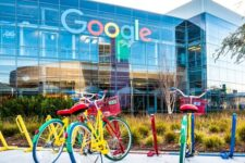 Google станет эко-френдли: поисковик планирует внедрить ряд изменений в свои сервисы