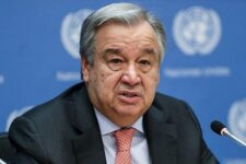 Пандемия загнала миллионы людей в нищету — Генсек ООН
